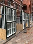 Diese im Oktober gelieferten Fenster sind inzwischen fertig eingebaut